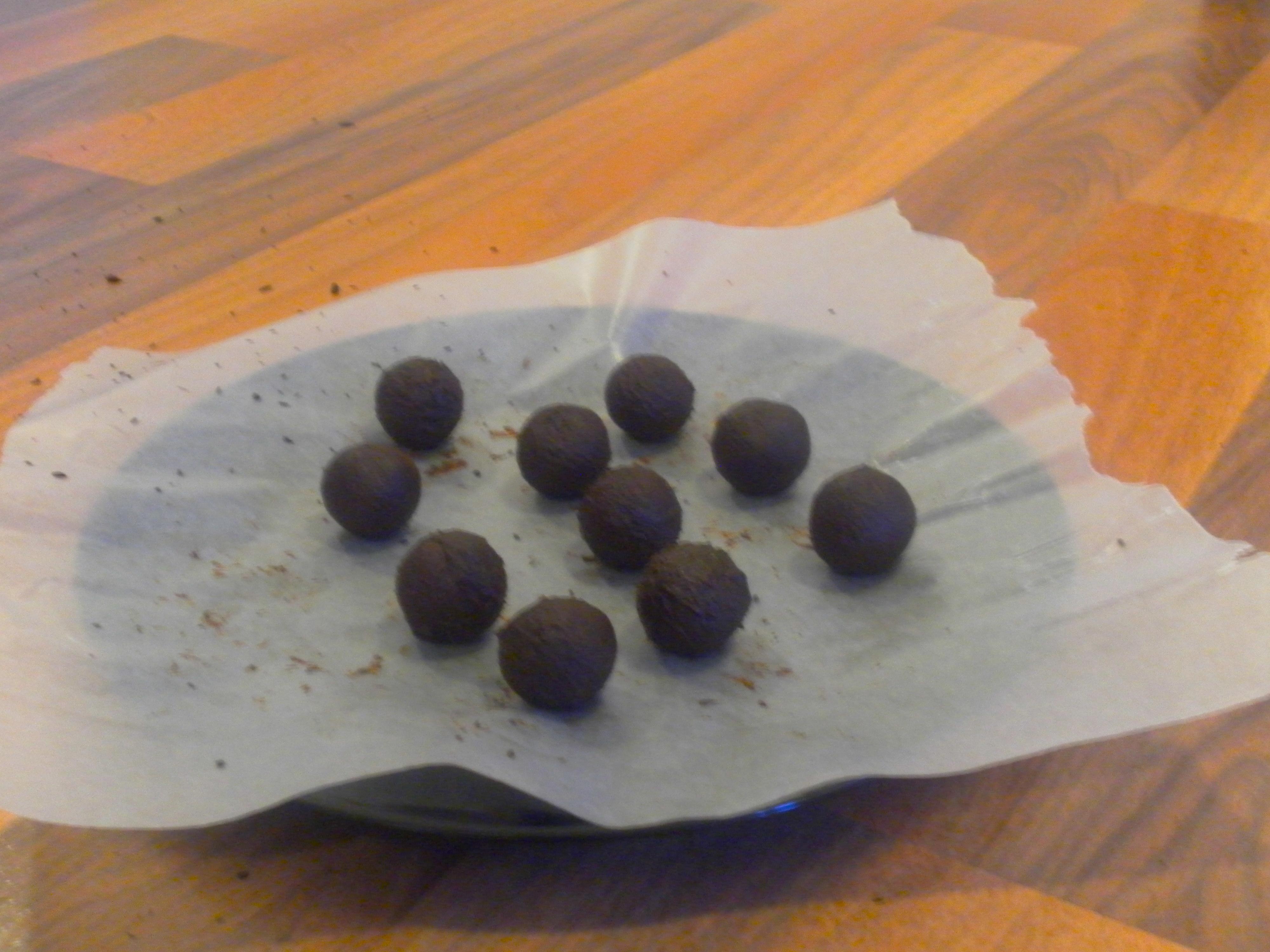 Shaping chocolate truffles