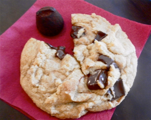Delicious Chocolate Chunk Cookie