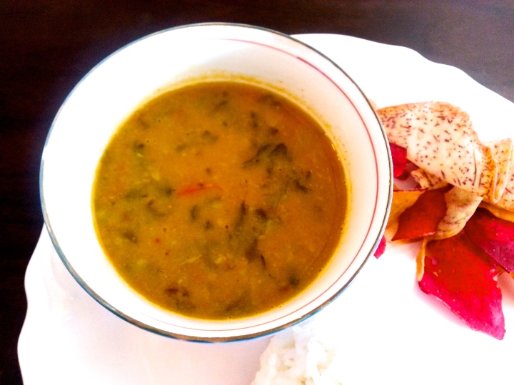 Healthy Indian food, low-fat spinach lentils, palak dal